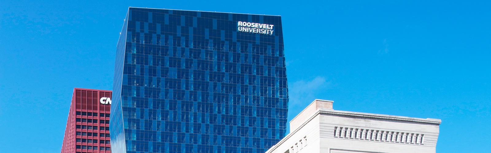 Học bổng du học tại Đại học Roosevelt, Chicago.